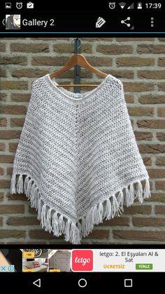 Stip & HAAK: Patroon poncho (deze wol is wol-acrylmix voor Patroon is met gedaan) Crochet Poncho Patterns, Crochet Scarves, Crochet Shawl, Crochet Clothes, Crochet Woman, Diy Crochet, Crochet Top, Crochet Capas, Bikinis Crochet