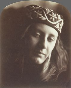 Dreamy Victorian Portraiture by Julia Margaret Cameron. In 1863 at the age of Julia Margaret Cameron received her first camera and immediately formed History Of Photography, Vintage Photography, Fashion Photography, Victorian Photography, Art Photography, John Herschel, Julia Margaret Cameron, Margaret George, Calcutta