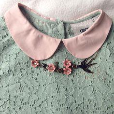 Peter Pan collar and lace                                                       …