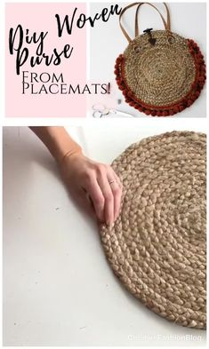 Easy DIY purse from placemats! This round, boho tutorial is so simple to upcycle and make yourself. This easy asseccories project takes just an hour to complete and looks professional. fashion upcycle videos How to make a boho woven purse from placemats Thrift Store Diy Clothes, Thrift Store Crafts, Thrift Stores, Nifty Diy, Easy Diy, Diy Bags Easy, Sewing Projects, Diy Projects, Diy Clothes Videos