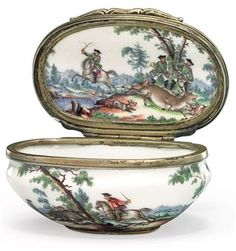 A SILVER-GILT MOUNTED MEISSEN PORCELAIN SNUFF-BOX AND COVER