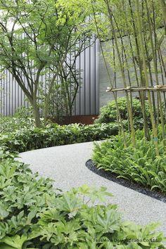 Image 4 of 9 from gallery of ChangSha Vanke Club House / Tsushima Design Studio. Photograph by Masao Nishikawa Landscape Concept, Garden Landscape Design, Contemporary Landscape, Landscape Architecture, Tropical Landscaping, Modern Landscaping, Garden Landscaping, Little Gardens, Small Gardens