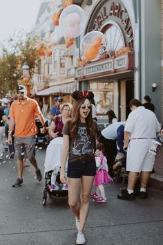 Disneyland Main Street ❁ @andisakowski
