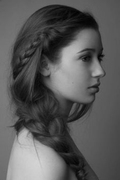 how you'd get this hairstyle to stay put, no idea - but it's beautiful