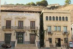 Resultado de imagen de ORIHUELA escudo Mansions, House Styles, Home Decor, Coat Of Arms, Decoration Home, Manor Houses, Room Decor, Villas, Mansion