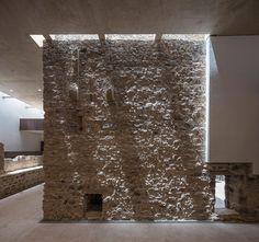 Reform and refurbishment of Castillo de la Luz BY Nieto Sobejano. Photography © Simón García. Click above to see larger image.