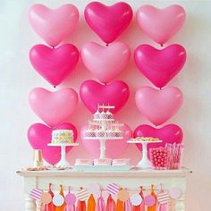 🌟Tante S!fr@ loves this📌🌟 love the heart balloons for a valentines party Valentinstag Party, Party Kulissen, Party Time, Party Ideas, Balloon Backdrop, Balloon Decorations, Pink Parties, Birthday Parties, Heart Party