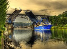 Fremont Bridge, Seattle, Washington., Remember the traffic stopped while the bridge was raised, loved the sound of it being lowered back into place