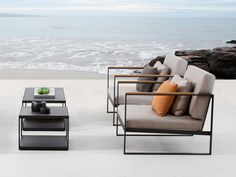 The Garden Easy Chair is designed for optimal comfort and cozy feelings for the most relaxing days of the year.