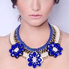 Maxi Collar Flores #gamuza #apliques #azul #klein Para ver mas, ¡Click en la foto!