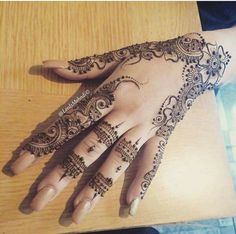 Best & Latest Eid ul Azha Special Mehndi Designs Collection consists of beautiful & easy to apply mehandi patterns like tikis, bails, peacocks, Pretty Henna Designs, Finger Henna Designs, Bridal Henna Designs, Henna Designs Easy, Mehndi Designs For Fingers, Mehndi Art Designs, Mehndi Patterns, Latest Mehndi Designs, Henna Tattoo Designs