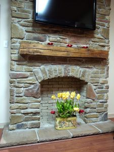 I love the stone fire place!!!