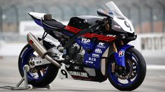 2017 Yamalube Racing Team Yamaha YZF-R1