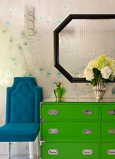 Design Crush: Lara Spencer. The use of color is amazing and that wallpaper is to die for.