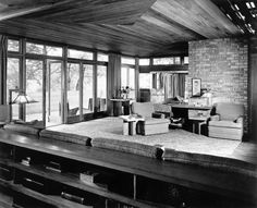 A classic photo of the interior of the Lloyd Lewis house, Libertyville, Illinois, Frank Lloyd Wright