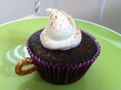 Hot chocolate cupcakes, so cute and probably yummy too!