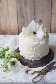 Saffron, orange & poppy seed layer cake with Vanilla cream cheese frosting