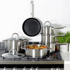Enter to win a 6-Piece Professional Steel Cookware Set (ARV $400).  The giveaway ends November 2, 2016 and is open to any US/CAN/UK/Ireland resident who is 18 or older.