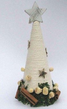 inspirace z netu Cone Christmas Trees, Christmas Tree Crafts, Rustic Christmas, Christmas Projects, Handmade Christmas, Christmas Holidays, Christmas Wreaths, Christmas Ornaments, Christmas Centerpieces