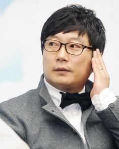 """이수근 """"도박혐의 인정, 자숙의 시간 갖겠다"""""""