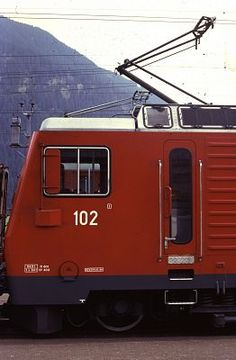 HGe4/4 102 (Foto: Helfried Werner) Locomotive, Recreational Vehicles, Photos, First Aid, Camper Van, Campers, Locs, Rv Camping