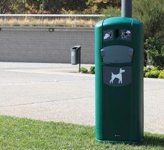 Contenedor para fecas de perro Retriever City con dispensador de bolsas, ideal para mantener limpias las zonas urbanas. Carrier Bag Holder, Dog Stroller, Movable Walls, Recycling Bins, Travel Backpack, Urban, Pets, Viajes