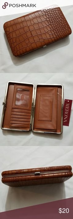 Clutch Can fit a cell phone, Faux leather, NWT.  5 card slot Merona Bags