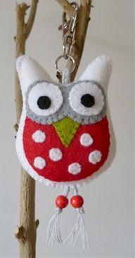 Adorable little felt owl.