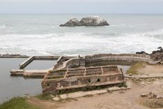 UNITED STATES - SEPTEMBER 30:  The Sutro Bath Ruins, San Francisco, California (Photo by Carol M. Highsmith/Buyenlarge/Getty Images) Photo: Buyenlarge, Bob Bragman / Archive Photos