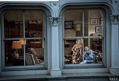 """Vogue US: Editorial """"Window Dressing"""" inspirado no filme Janela Indiscreta (Abril/13)"""