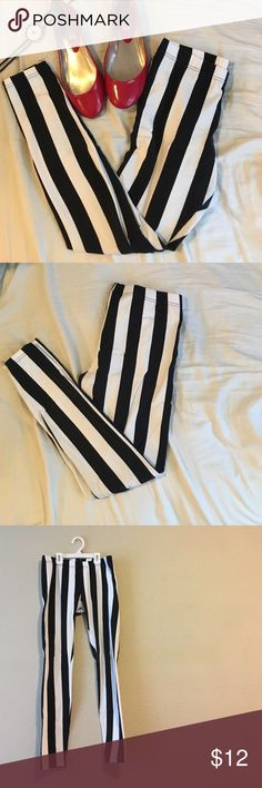 "Black/White Striped Leggings Fun black+white striped leggings//gently used--no holes, rips or tears//form fitting//comfy and soft//these work well for yoga or to wear out and about//waist measurement approx. 28.5""//elasticize waistband H&M Pants Leggings"
