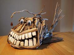 http://www.sail-world.com/CruisingAus/Where-theres-muck,-theres-art/76485    neat little driftwood art