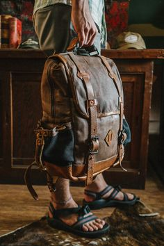 Dakota Vintage Commuter Backpack - Waxed Canvas & Leather - Saddle Tan