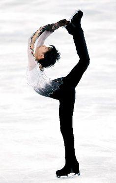 【朝日】羽生2位、後半に手応え 体力落ちず連続ジャンプ  http://www.asahi.com/articles/TKY201311170287.html