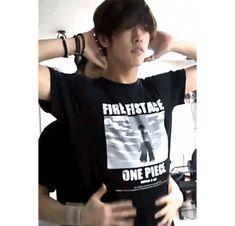 Sangmin lifts Takuyas shirt with glorious purpose Cross Gene, Hot Korean Guys, Korean Men, Takuya Terada, Korean Drama Movies, Won Ho, Sexy Gif, Actors, Beautiful Boys
