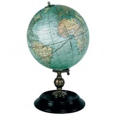 For an exquisite and vintage decor option, look no further then this Authentic Models Weber Costello 1921 USA globe. Featuring a globe and decorative ebonized wood stand with bronze accents. Globes Terrestres, World Globes, Kelly Wearstler, Contemporary Classic, Modern Classic, Vintage Louis Vuitton, Plywood Furniture, Desk Globe, Globe Decor