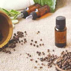 From stopping cigarette cravings to removing uric acid from the body, here are 10 amazing health benefits of black pepper oil. - Health benefits of black pepper essential oil: 10 amazing health benefits of black pepper oil Essential Oil For Bronchitis, Turmeric Essential Oil, Best Essential Oils, Essential Oil Blends, Black Pepper Oil, Black Pepper Essential Oil, How To Cure Anxiety, Uric Acid, Skin Spots