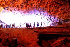 Vẻ đẹp hang Sửng Sốt trên Vịnh Hạ Long http://www.iplace.com.vn/dia-danh-thang-canh/item/ve-dep-hang-sung-sot-tren-vinh-ha-long-367.html