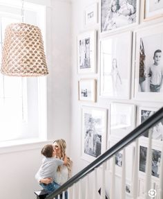 28 Wonderful Entryway Wall Decor Ideas to Create Memorable First Impression # St. 28 Wonderful Entryway Wall Decor Ideas to Create Memorable First Impression # Stairway Decorating c Decor, Entryway Wall Decor, Stairwell Wall, Stair Wall Decor, Home, Stair Walls, Stairway Decorating, Stairway Walls, Gallery Wall Staircase
