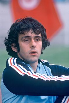 A young Michel Platini Football Is Life, Retro Football, World Football, School Football, Vintage Football, Sport Football, Michel Platini, Ballon D'or, Good Soccer Players
