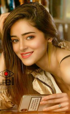 Newest Collection Of Indian Celebs Bollywood Actress Hot Photos, Indian Bollywood Actress, Bollywood Girls, Beautiful Bollywood Actress, Beautiful Actresses, Beautiful Blonde Girl, Beautiful Girl Photo, Beautiful Girl Indian, Most Beautiful Indian Actress