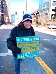 """Das Project 'Signs for the Homeless' ist von Kenji Nakayama and Christopher Hope, welche die Pappschilder von Obdachlosen ordentlich getunet haben. Auf deren Tumblr-Blog gibt es all ihre """"Pappwerke"""" zu sehen und von jeder Person sogar ein kleines Interview."""