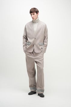 For the Fall/Winter 2015 season Lucio Vanotti created a wardrobe of interiors in the soft shades of the late 70's. He worked in subtraction. Useful as beautiful and form as function are the pillars of his design approach,... »