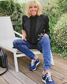 "Polubienia: 236, komentarze: 20 – BrigitteMacronFrance (@brigittemacronfrance) na Instagramie: ""30/08/17: Photos du Magazine ""Gala "" avec Brigitte  Macron en Couverture.  Merci à @natalie0727…"""