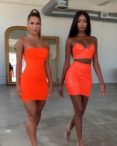 Shorts Outfits Women, Short Outfits, Girl Outfits, Fashion Outfits, Neon Party Outfits, Clubbing Outfits, Classy Outfits, Cute Outfits, Fashion Brenda