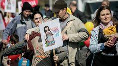 #viceromania #romania #mars #viata #anti-avort #mame #gravide #women #powerfull #bucuresti #copii Romania, Mars, Baseball Cards, Sports, Women, Hs Sports, March, Sport