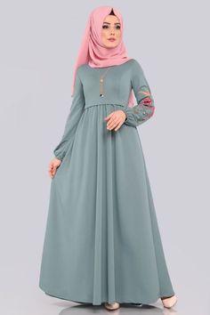 Modest Fashion Hijab, Abaya Fashion, Muslim Fashion, Pakistani Dresses Casual, Pakistani Bridal Dresses, Batik Mode, Abaya Mode, Hijab Stile, Fancy Dress Design