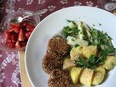 Sojafrikadellen mit Sesamkartoffeln und gedünstetem Spargelgemüse, ein Festessen!