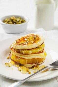 Clatite cu ricotta si portocale Ricotta Pancakes, Crepes, Large Egg, Ideal Home, Recipe Cards, Sweet Tooth, Lime, Sweets, Orange