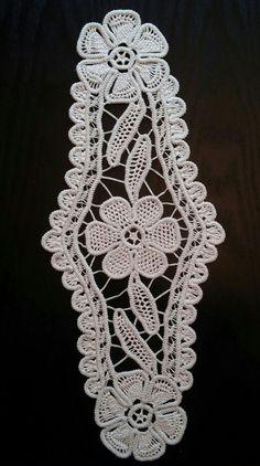 "Point Lace Romanian Style Crochet Doily, Beige, Floral Pattern, 18"" x 7.5"" #36"